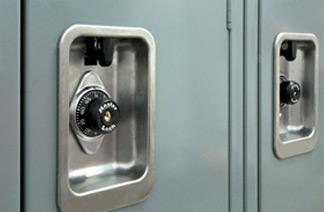 使用中的ADA标准嵌入式锁具
